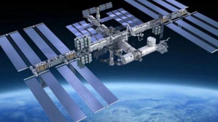 Американцы кормят оставшихся без еды российских космонавтов