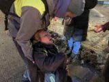 В РФ не будут заводить дело на силовика, ударившего пожилую женщину на митинге