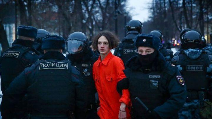 Российские социологи нагадили деду в тапки. Историю творит молодёжь. Эксклюзив