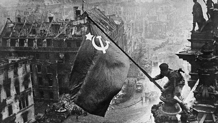 Россия скрывает свою роль в победах нацистов, проецируя собственные преступления на других
