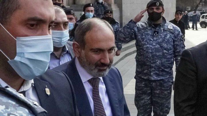 Армения на краю пропасти. Путчисты стравливают Россию с Турцией