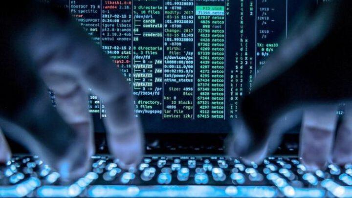 «Как минимум 1000 специалистов» могли стоять за масштабной кибератакой в США
