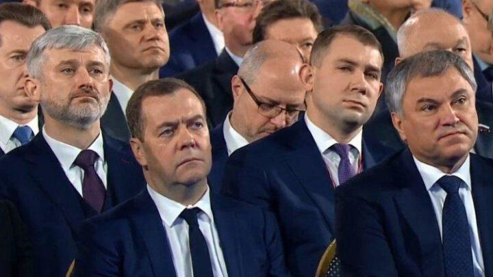 Почему Путин боится послать Федеральное собрание. Эксклюзив
