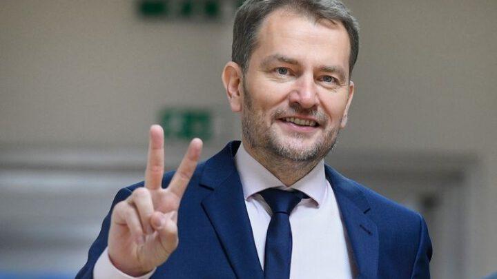 Премьер Словакии готовится к отставке из-за скандала со «Спутником V»