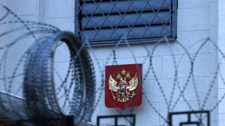 Литва, Латвия и Эстония высылают российских дипломатов