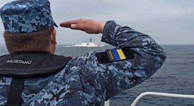 Россияне пытались мешать украинцам встретить корабль американской береговой охраны Hamilton
