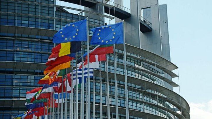 Саммит ЕС принял решение запретить белорусским авиакомпаниям полеты в Евросоюз