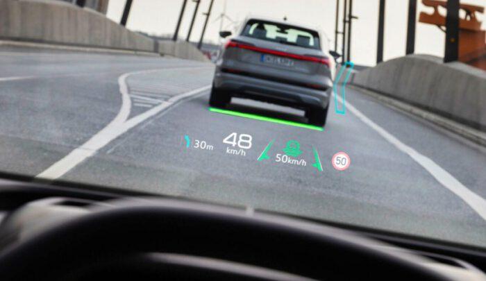 Украинская Apostera разработала Mixed Reality-ассистент для новой Audi Q4 e-tron