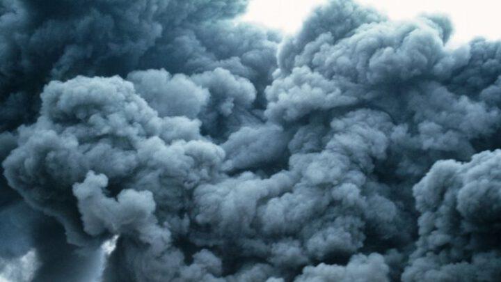 Облако химпаров идет в сторону ОРДЛО после аварии на химкомбинате в Ростовской области