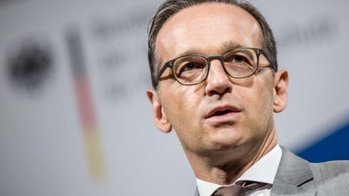 В Германии обвинили РФ и КНР в политизации поставок вакцин