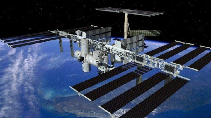 Российский модуль толкнул МКС – американцы отложили запуски