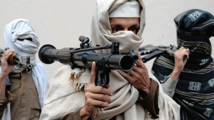 Ашхабад стягивает тяжелую технику к афганской границе