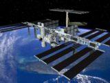 Российские космонавты на МКС не смогут выходить в открытый космос