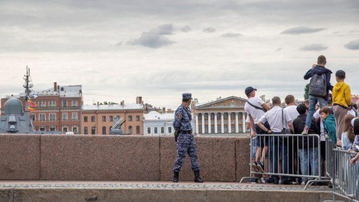 О чем соврал Путин на военно-морском параде в Санкт-Петербурге