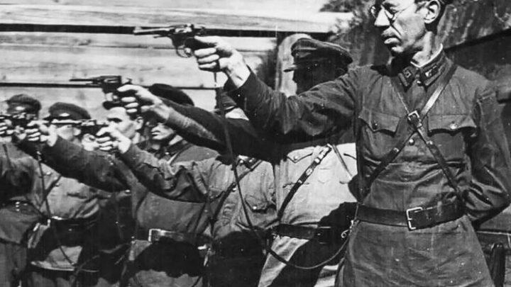Чехия открывает онлайн-доступ к документам НКВД о репрессированных чехах и словаках