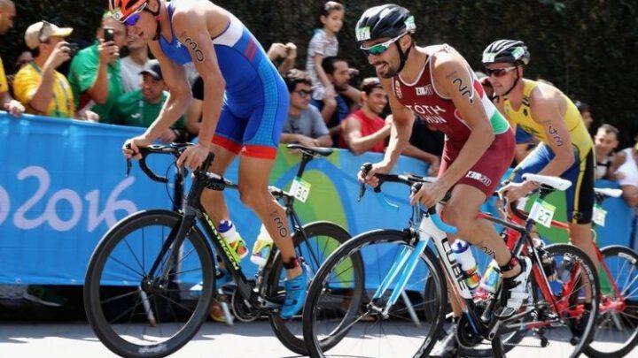 Российского триатлониста отстранили за допинг – третьего за месяц