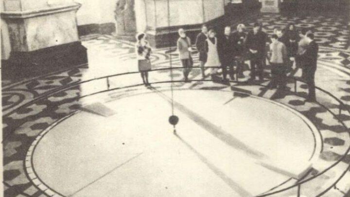 Маятник Фуко в екс-домініканському храмі – фото 1970-их років