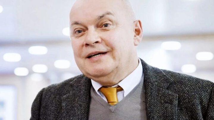 Вакцинированный «Спутником V» Киселёв госпитализирован с коронавирусом