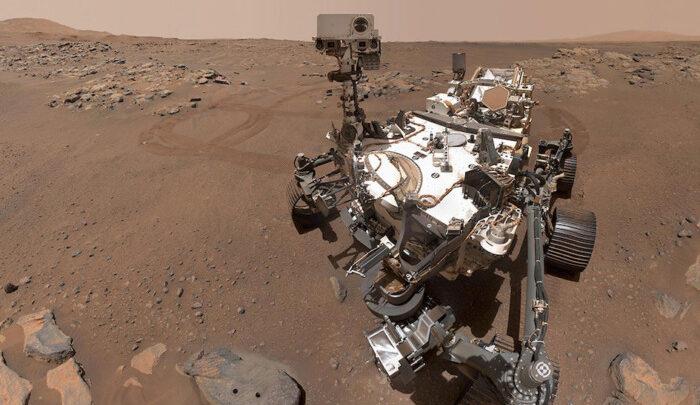 """""""Упорство"""" делает селфи на Марсе"""